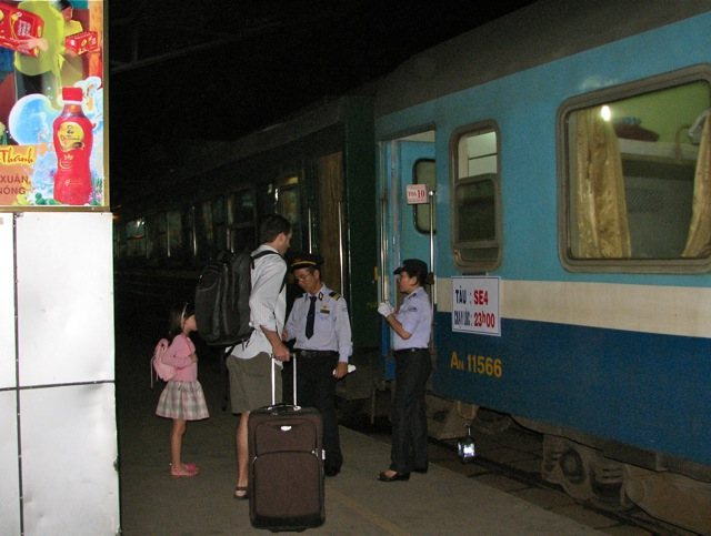 Overnight Train In Vietnam | Chuzai Living