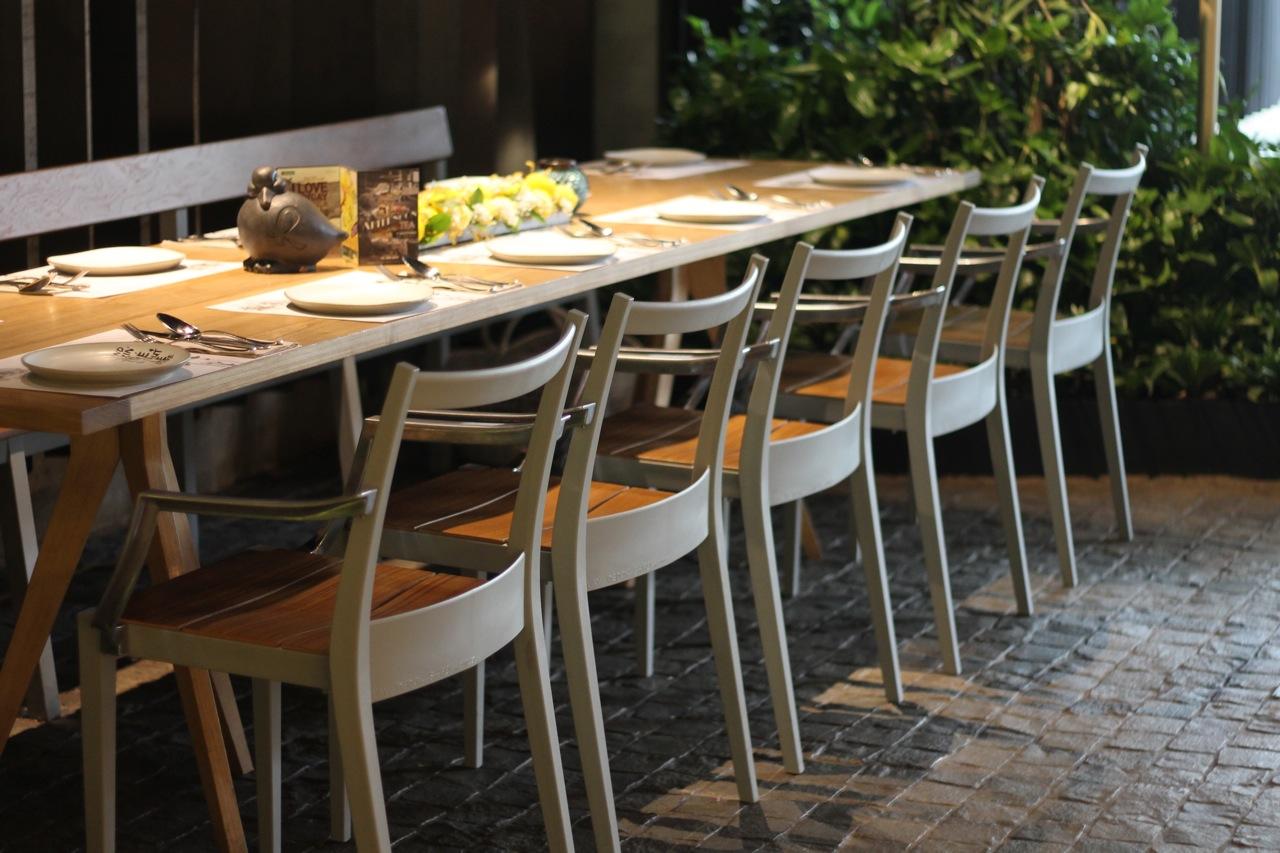 Friday finds le jardin moovina french restaurant for Restaurant le jardin 02
